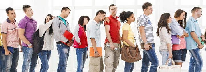 des étudiants en ligne