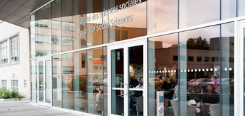 Porte d'entrée Édifice des sciences sociales, Université d'Ottawa