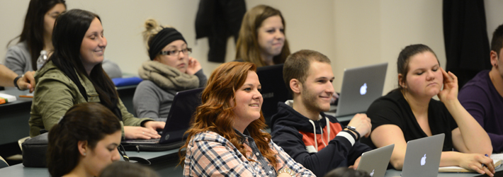 etudiants dans une salle de classe