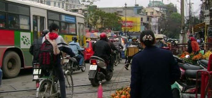 rue animée au Vietnam