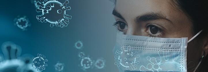 Mocécules de COVID-19 avec visage de femme portant un masque