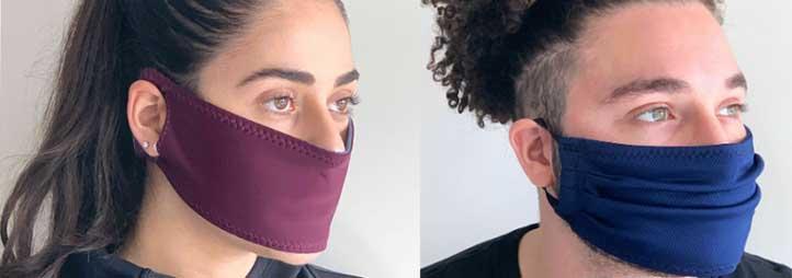 une femme et un homme qui porte un masque