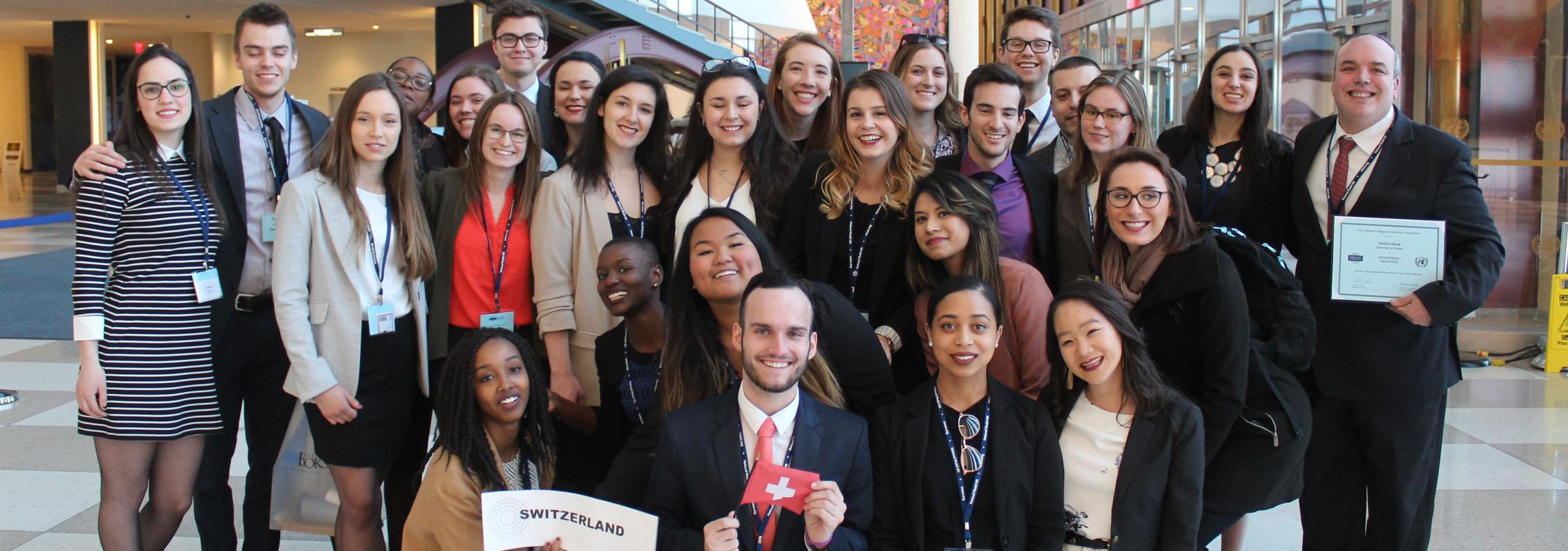 groupe d'étudiants qui pose pour une photo