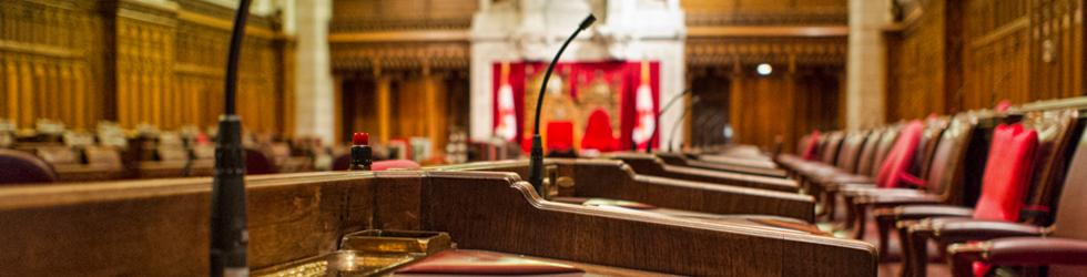 Vue intérieure de la chambre du Sénat au Parlement du Canada