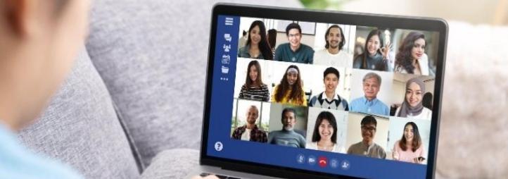 Étudiants en vidéo conférence